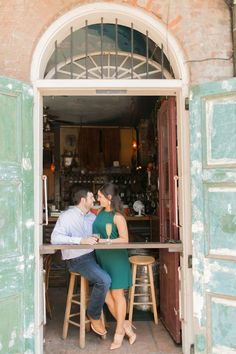 Romantic New Orleans Engagement Photos | Arte de Vie Photography | French Quarter |  Reverie Gallery Wedding Blog