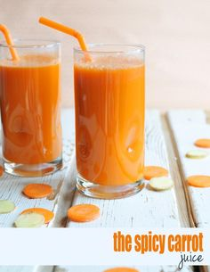 Did you know you could juice cauliflower?! This {Spicy Carrot Juice} is so veggie-laden and delicious!