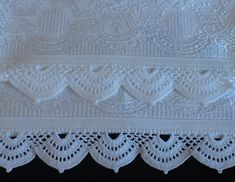 Grey Linen Tablecloth Rectangle with Lace Custom table cloth Rustic table decor Eco friendly Burlap Table runner Crochet Lace Edging, Crochet Borders, Crochet Flowers, Crochet Stitches, Crochet Baby, Free Crochet, Crochet Patterns, Crochet Table Runner, Crochet Tablecloth