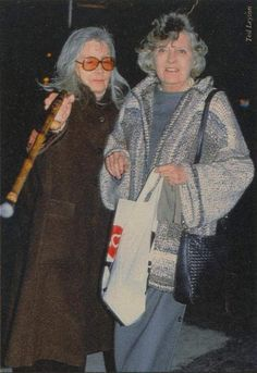 Greta Garbo and her niece Gray Reisfield, 1988 in New York