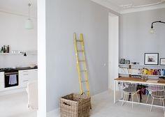 Mieszkanie w berlińskiej kamienicy - 75 m2; proj. Sophie von Bülow. - zdjęcie