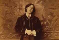 La casa del dramaturgo de origen irlandés, Oscar Wilde, la del músico británico Benjamin Britten y otros espacios relacionados con figuras representativas de la comunidad LGTB han recibido un estatus especial que señala su importancia como patrimonio del Reino Unido, así como reconoce la relevancia de la comunidad LGTB dentro de la historia del Reino Unido.