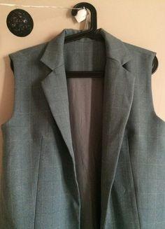 Kup mój przedmiot na #vintedpl http://www.vinted.pl/damska-odziez/kamizelki/20764912-kamizelka-dluga-szara-s-36