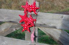 Weihnachtssterne nähen - Deko am Tor