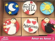 Unos bonitos cupcakes con dos niños queriéndose mucho #MuchoCorazón #ReposteríaCasera