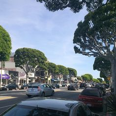 Larchmont Village in Los Angeles, CA