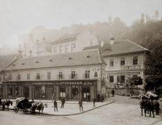 1910 körül. Lánchíd utca 5., háttérben az Öntőház utca a zsinagógával.Zsinagóga felett a Királyi palota látható. Weinwurm Antal felvétele.