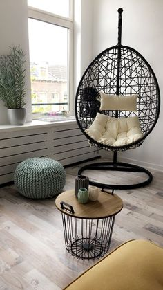 Rattan Egg Chair, Hanging Egg Chair, Bedroom Themes, Room Decor Bedroom, Living Room Decor, Apartment Interior Design, Interior Design Living Room, Modern Exterior House Designs, Accent Wall Bedroom