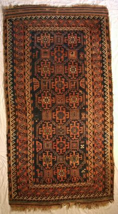 Antique baluch. Wool knotted on wool, natural colors, size 93cm x 1,60cm.