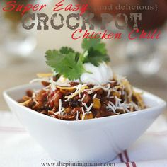 The recipe EVERYONE asks for!!!  Easy {and delicious} Crock Pot Chicken Chili - click for recipe Crock Pot Freezer, Crock Pot Slow Cooker, Crock Pot Cooking, Easy Crockpot Chicken, Chicken Chili, Red Chicken, Crockpot Meals, Parmesan Mashed Potatoes, Garlic Parmesan