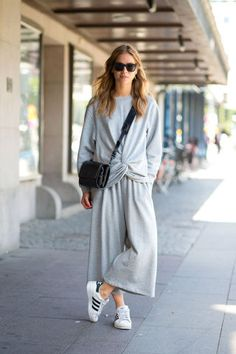 34 minimalist outfit ideas to try this spring.