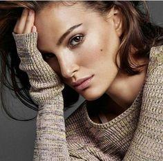 Natalie Portman showing off her soft brow.