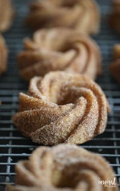 These Baked Apple Cider Donuts are a delicious fall treat! #donut #applecider #fallbaking #recipe #apple #bakeddonut