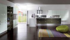 Una cucina laccata è una scelta di #stile, è resistente; dona lucentezza, #ampiezza e #personalità al tuo spazio. #cucina MIKA » www.cucinesse.it/cucine/mika/