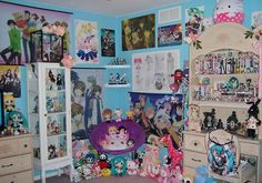 Okay, I'm redoing my room and of anyone has any ideas please tell me. I love Anime rooms.