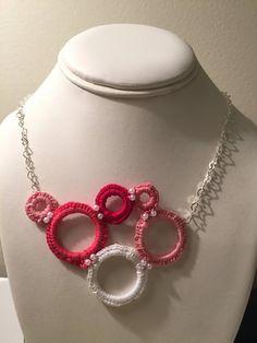 Crochet circle necklace