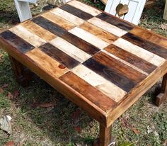 Small table pallets wood recycled creative  ideas for home brown color rustic style madera reciclada