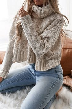 winter outfits sweaters 30 Winter Outfits Casual F - winteroutfits Winter Outfits For Teen Girls, Winter Outfits 2019, Cropped Knit Sweater, Pullover Sweaters, Turtleneck Outfit Winter, Knitted Jumper Outfit, Loose Knit Sweaters, Knitting Sweaters, Thick Sweaters