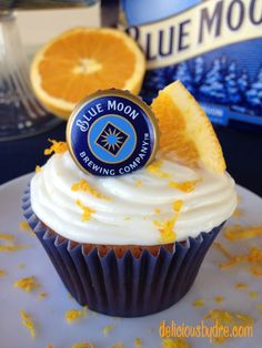 """once in a """"blue moon"""" (not-so-healthy cupcakes) 