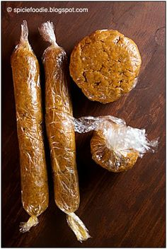 Authentic Homemade Mexican Chorizo Recipe -- A Mexican Spicy Sausage for Tacos, Burritos, eggs, or cheese. Chorizo Recipes, Pork Recipes, Cooking Recipes, Turkey Chorizo Recipe, Chorizo And Eggs, Chorizo Sausage, Mexican Cooking, Mexican Food Recipes, Quirky Cooking