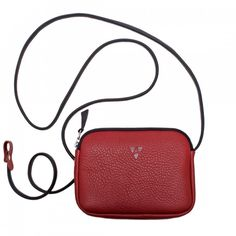 Elly Shoulder Bag - Purse made of soft grain leather with adjustable leather shoulder strap. It closes with a zipper. Lining made of wool felt. The purse is available in red, light red and black.