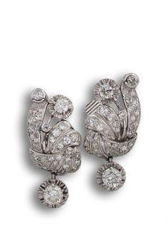 Pendientes años 20 en oro blanco y diamantes