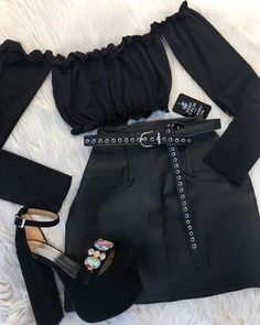 Black outfit for a party Teen Fashion Outfits, Kpop Outfits, Edgy Outfits, Mode Outfits, Grunge Outfits, Girl Outfits, Womens Fashion, Preteen Fashion, Fashion Fashion