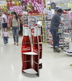 Coke Displays using X-Board Print   por Xanita International