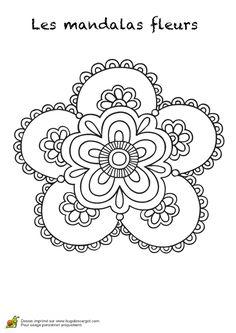 Mandala avec une grosse fleur, à colorier