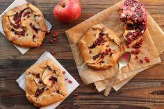 Tartelettes rustiques aux pommes et à la grenade by emilieandlea3, via Flickr