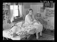 """1936 Summary: Interior of Ozarks cabin housing six people in Missouri. Tiny is nothing new, and historically, it's rarely been a choice. Worth remembering as the """"Great Depression grinds on. Vintage Pictures, Old Pictures, Old Photos, Time Pictures, Shorpy Historical Photos, Dust Bowl, Great Depression, Thing 1, Thats The Way"""