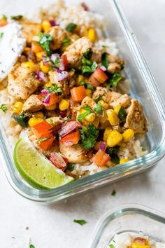 These easy Chicken Taco Poblano Rice Bowls are perfect for dinner or to make ahead for meal prep! Made in a skillet, with diced chicken breast, poblano peppers, corn, pico de gallo and cheese. #bowls #chickenbreast #chicken Chicken Tacos, Diced Chicken, Skinny Recipes, Healthy Recipes, Weeknight Recipes, Healthy Dinners, Food Tasting, Rice Bowls, Mexican Food Recipes
