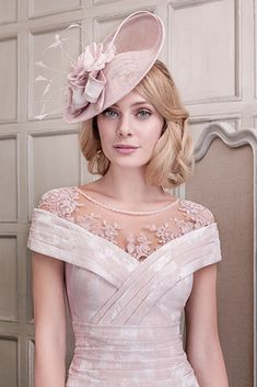 26431 (VV for John Charles) Small Saucer Style Fasinator in Blush. The fasinator sits on an Alice band and is worn to one side. The headpiece has swirl and feather detailing in contrasting fabric and colour to match the dress. Mother Of Bride Outfits, Mother Of The Bride, Elegant Dresses, Beautiful Dresses, Wedding Hats, Causal Wedding, Summer Wedding, Sweet Dress, Groom Dress