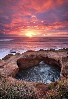 Devil's Punchbowl off of Highway 101 on the Oregon Coast. A perfect place to hit up on an Oregon coast road trip! Oh The Places You'll Go, Places To Travel, Places To Visit, Beautiful World, Beautiful Places, My Sun And Stars, Ocean Sunset, Sunset Beach Oregon, Oregon Travel