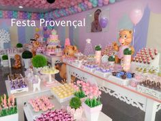 Festa Provençal: A confeitaria da doce Mirella