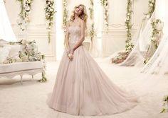 Abito da sposa rosa antico