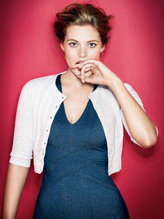 Veja como se vestir para disfarçar ou esconder as gordurinhas. Conheça os erros grosseiros que as mulheres cometem ao vestirem-se para disfarçar a barriga.