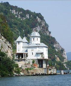 manastirea mraconia 2