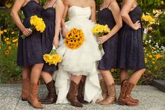 Navy blue and yellow magnolia plantation wedding