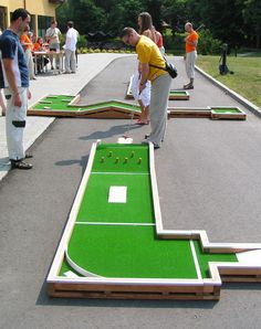 Want to play Mini Golf? Play it at home! Interchangeable Mini Golf - always different!