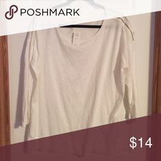 NWT GAP 3/4 Top White with gold zipper detail on the shoulder GAP Tops Tees - Long Sleeve