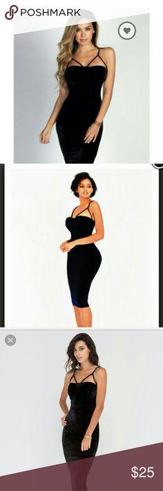 Black velvet bustier dress Black velvet bustier dress in size S Only worn once, classy and sexy ! Nasty Gal Dresses Midi