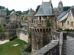 Château de Fougères ,Bretagne - France- The belfry, built has symbolic importance: funded by local merchants, it allowed ordinary people access to timekeeping, previously the preserve of the church and nobility. Best Vacation Destinations, Best Vacations, Vacation Rentals, Beautiful Castles, Beautiful Places, Photo Chateau, Visit Bordeaux, Region Bretagne, Brittany France