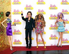 Veronica, Ryan, Christie and Sweetie  [as Ryan & Christie make their way down the carpet the fangirls erupt with excitement!]