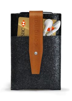 Mujjo iPhone Wallet - Brown Leather Edition - 100% Wool Felt