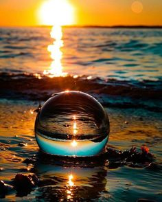 Moonlight Photography, Water Drop Photography, Reflection Photography, Amazing Photography, Landscape Photography, Art Photography, Beautiful Nature Wallpaper, Beautiful Landscapes, Beautiful Sunset