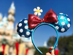 The Hottest New Minnie Mouse Ears at Disneyland Are Actually Vintage | Travel + Leisure