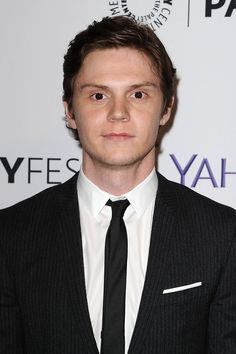 Join Us: Allow These Evan Peters GIFs to Put You Under His Sexy Spell
