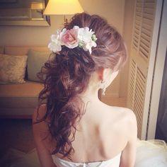 Cute系ポニーテール の画像|Satomi の ハワイブライダルヘアメイク 『Satomi no sonogo』 Wedding Tiara Hairstyles, Dress Hairstyles, Fancy Hairstyles, Bride Hairstyles, Headpiece Wedding, Bridal Hair, Hair Down Styles, Hawaii Hair, Hair Arrange