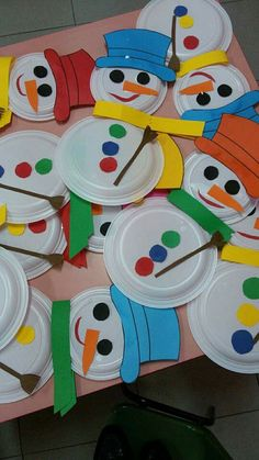 40 Brilliant DIY Snowman Craft Ideas For Amazing Winter - Cartoon District 40 Brilliant DIY Snowman Crafts Ideas for Amazing Winter Kids Crafts, Daycare Crafts, Winter Crafts For Kids, Toddler Crafts, Preschool Crafts, Art For Kids, Preschool Winter, Kids Fun, Christmas Crafts For Kids To Make At School
